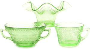 ウランガラスの食器