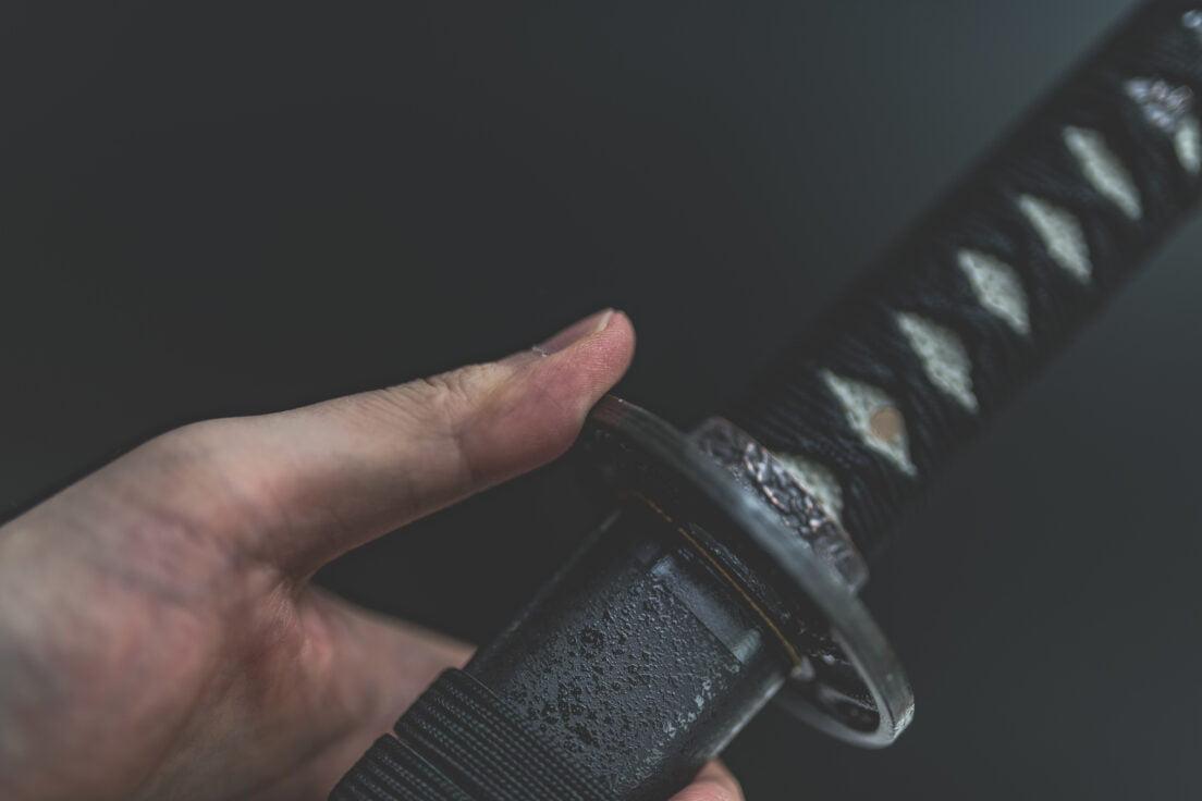 遺品整理で刀が出てきたときの対処方法