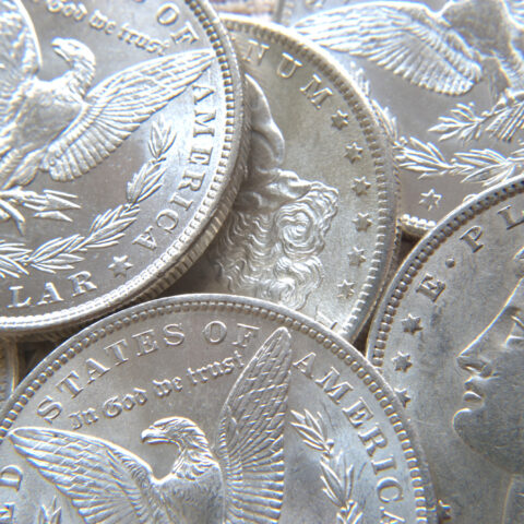 価値のある銀貨はどれ?国内外の人気銀貨と売却方法