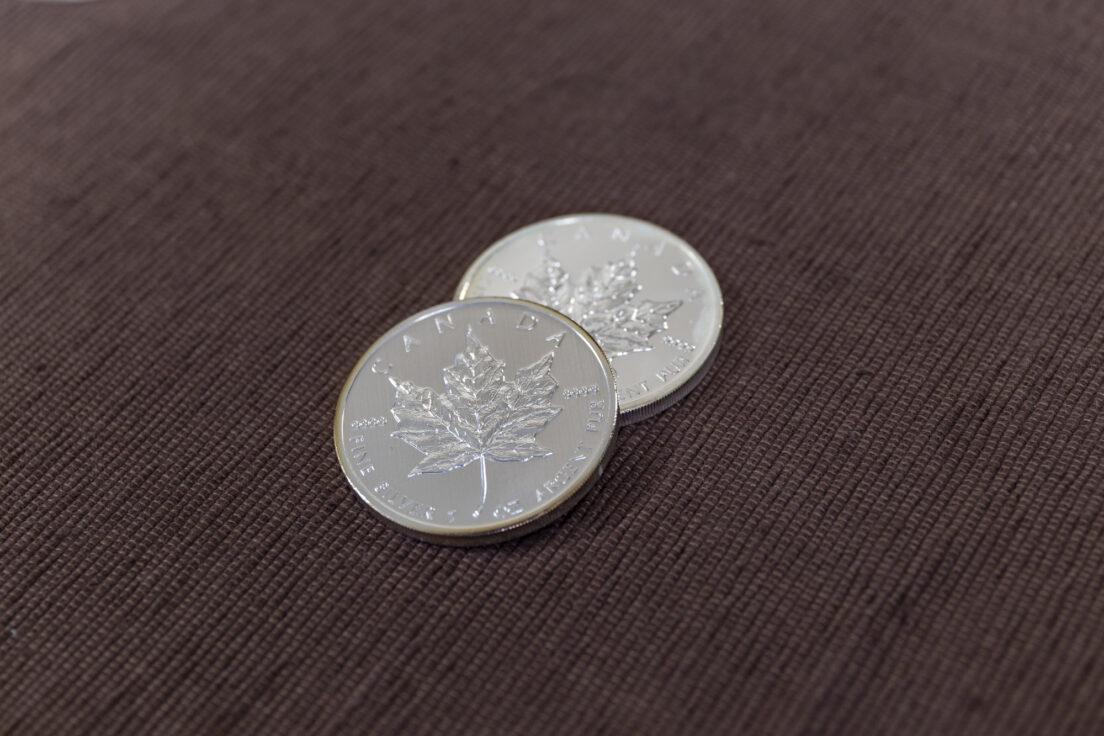 銀貨とは?世界各国で使用された銀の硬貨