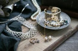 宝石の処分はどうすべき?処分方法と査定依頼する際のポイント