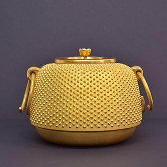 純金 茶釜