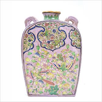 中国 粉彩耳付方瓶 大清嘉慶年製