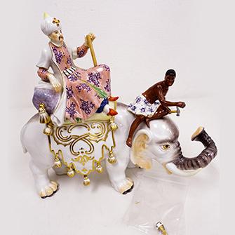 マイセン フィギュア「象に乗るペルシャ人とムーア人」