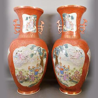 珊瑚釉金彩粉彩花瓶