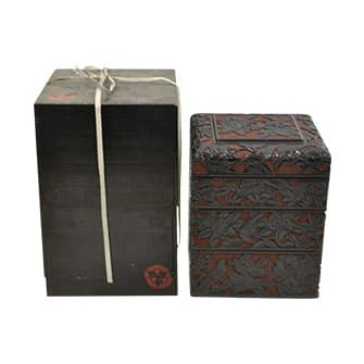 堆黒四段重箱