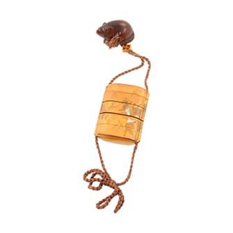 梨地螺鈿切金馬図印籠